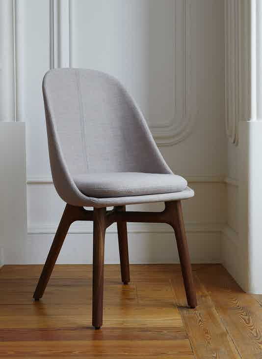 1 Solo Dining Chair By Neri Hu Photo By Yuki Sugiura