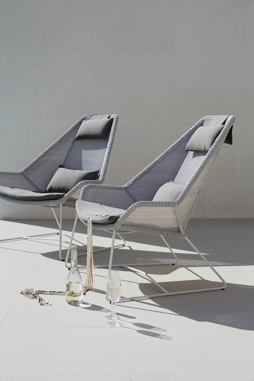Breeze Highback White Grey 2