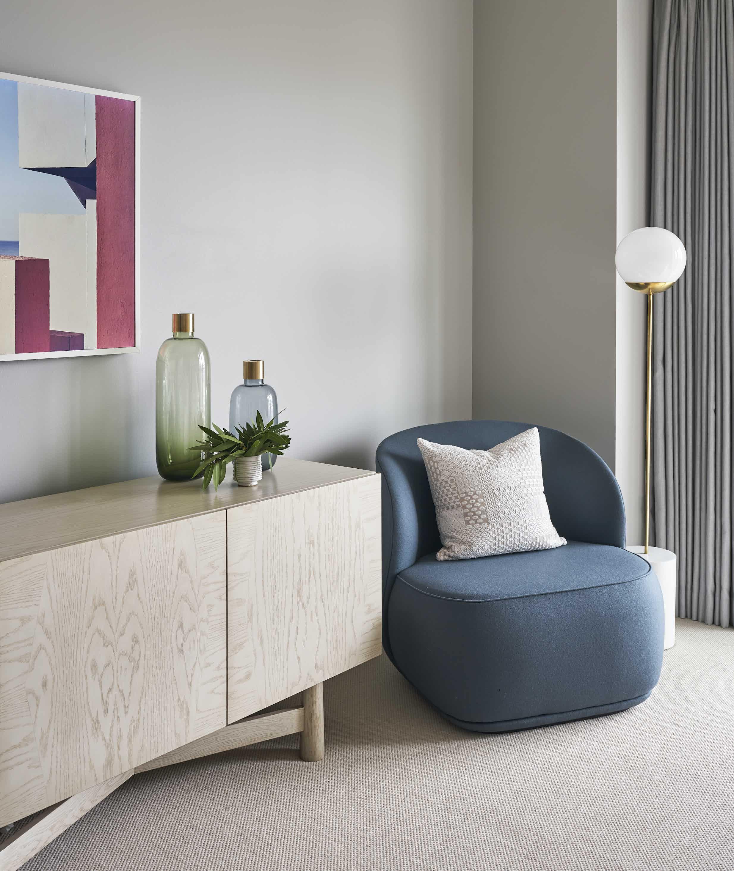 Friends Founders La Pipe Lounge Chair