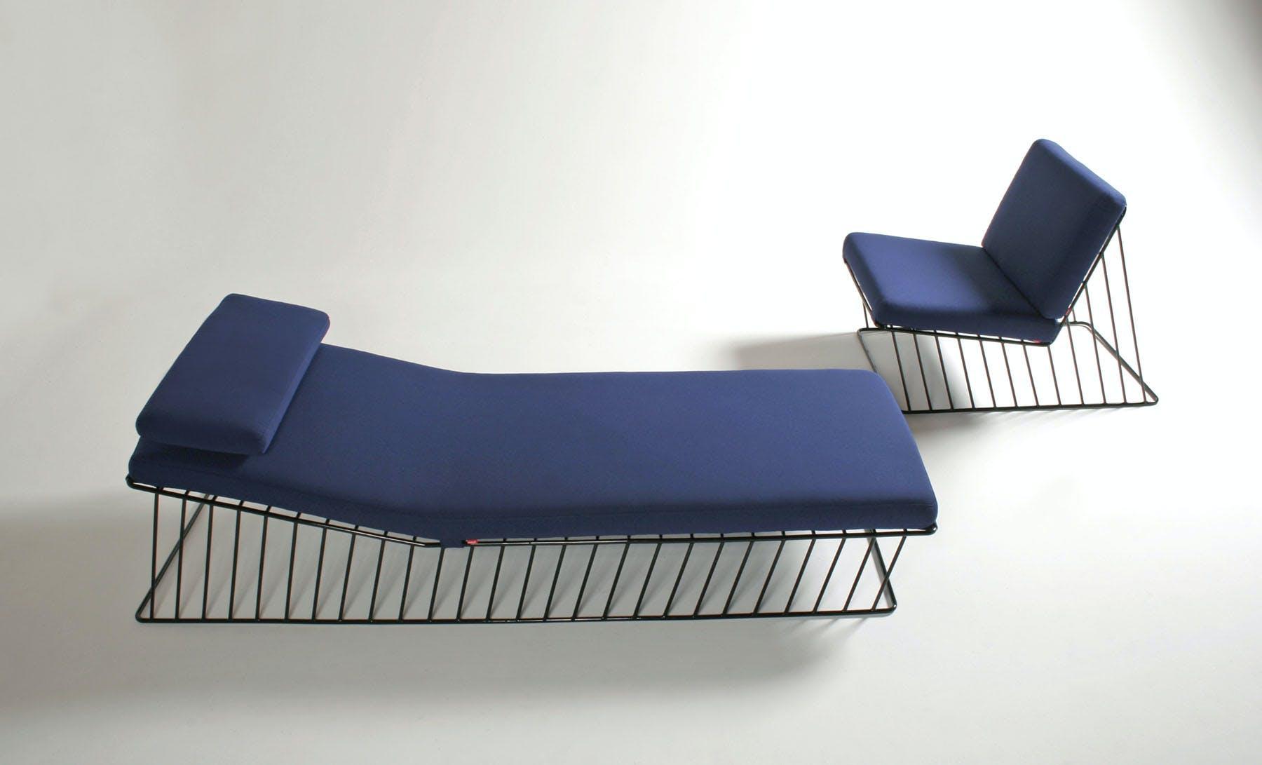 Italic Chaise Lounge Cove