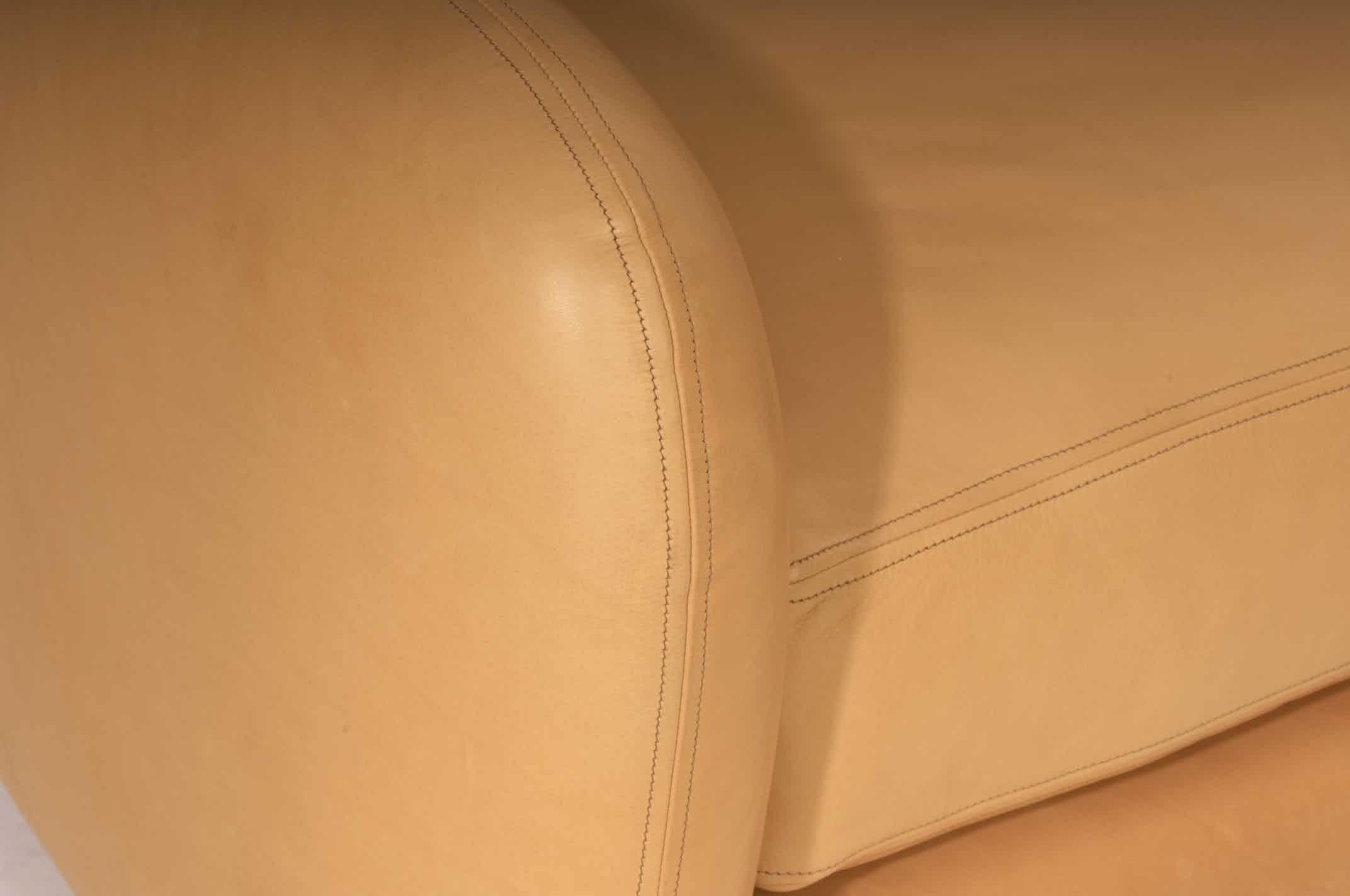 SCP Double saddle stitch detail