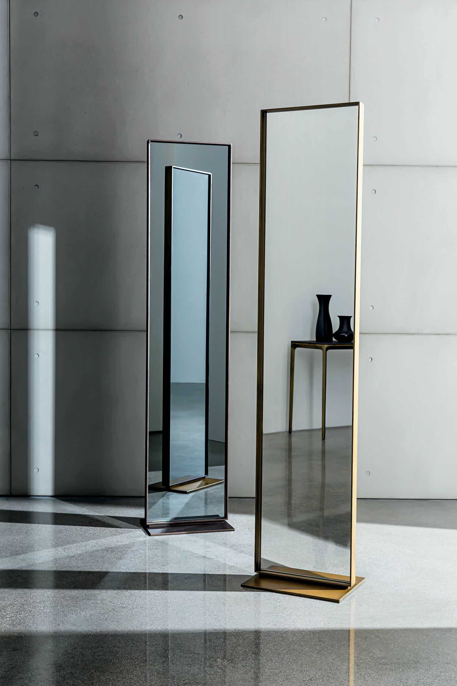 Sovet Visual Freestanding Mirror