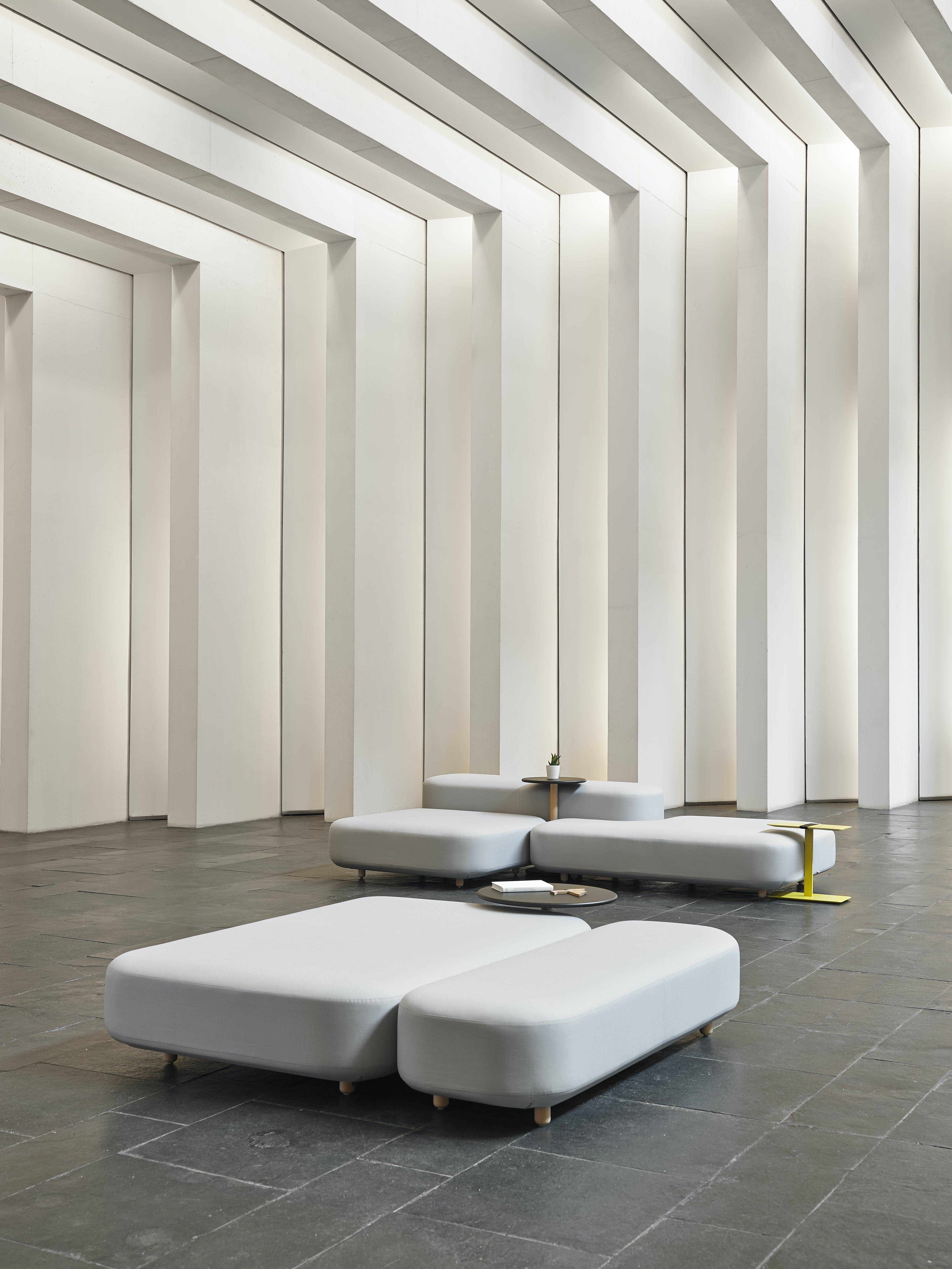 Viccarbe-Common-bench-by-Naoto-Fukasawa-6