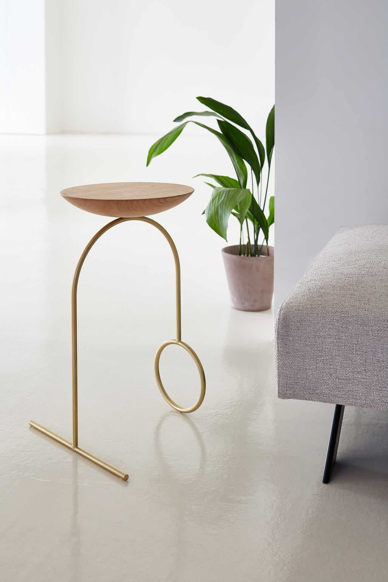 Viccarbe Giro side table by Pedro Paulo Venzon 2