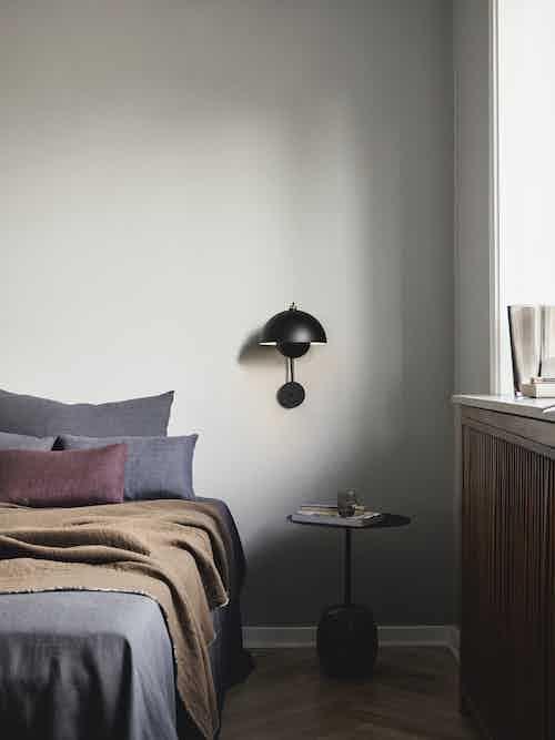 Andtradition flowerpot vp8 wall lamp insitu black haute living