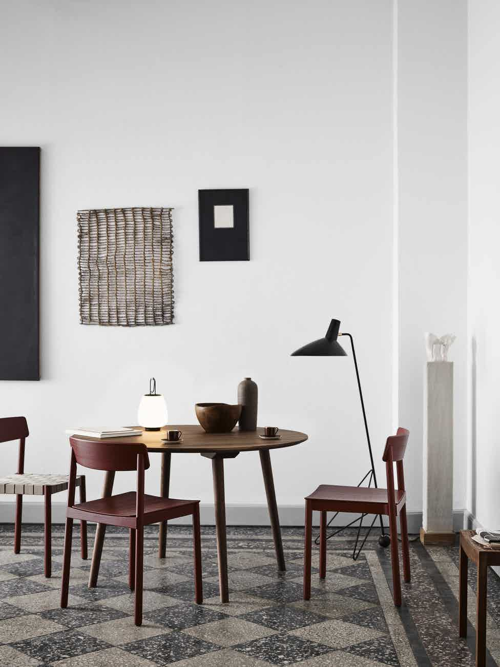 Andtradition tripod hm8 floor lamp black dining insitu haute living