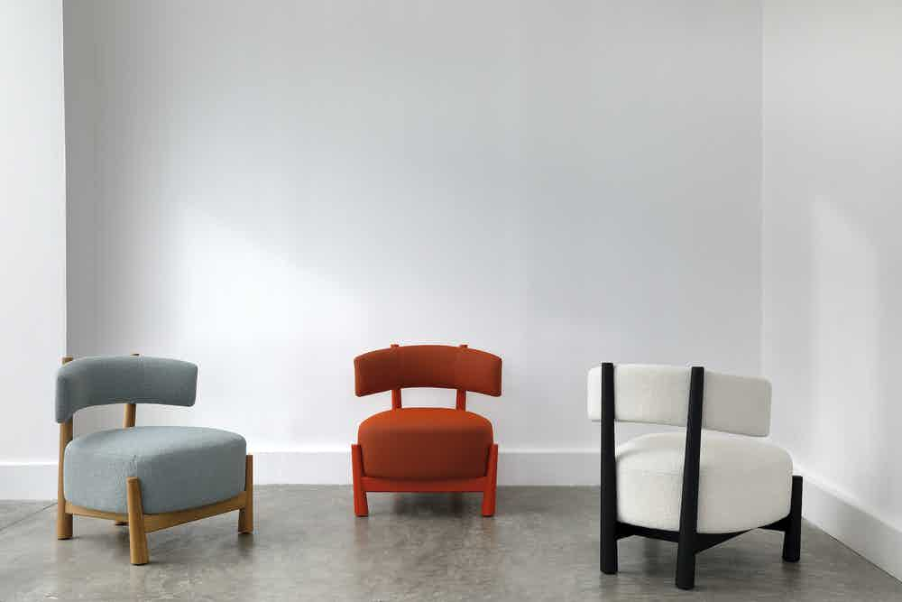 The Dalia Armchair can gently integrate in hospitality spaces, yet also adapt to domestic living rooms and bedrooms.