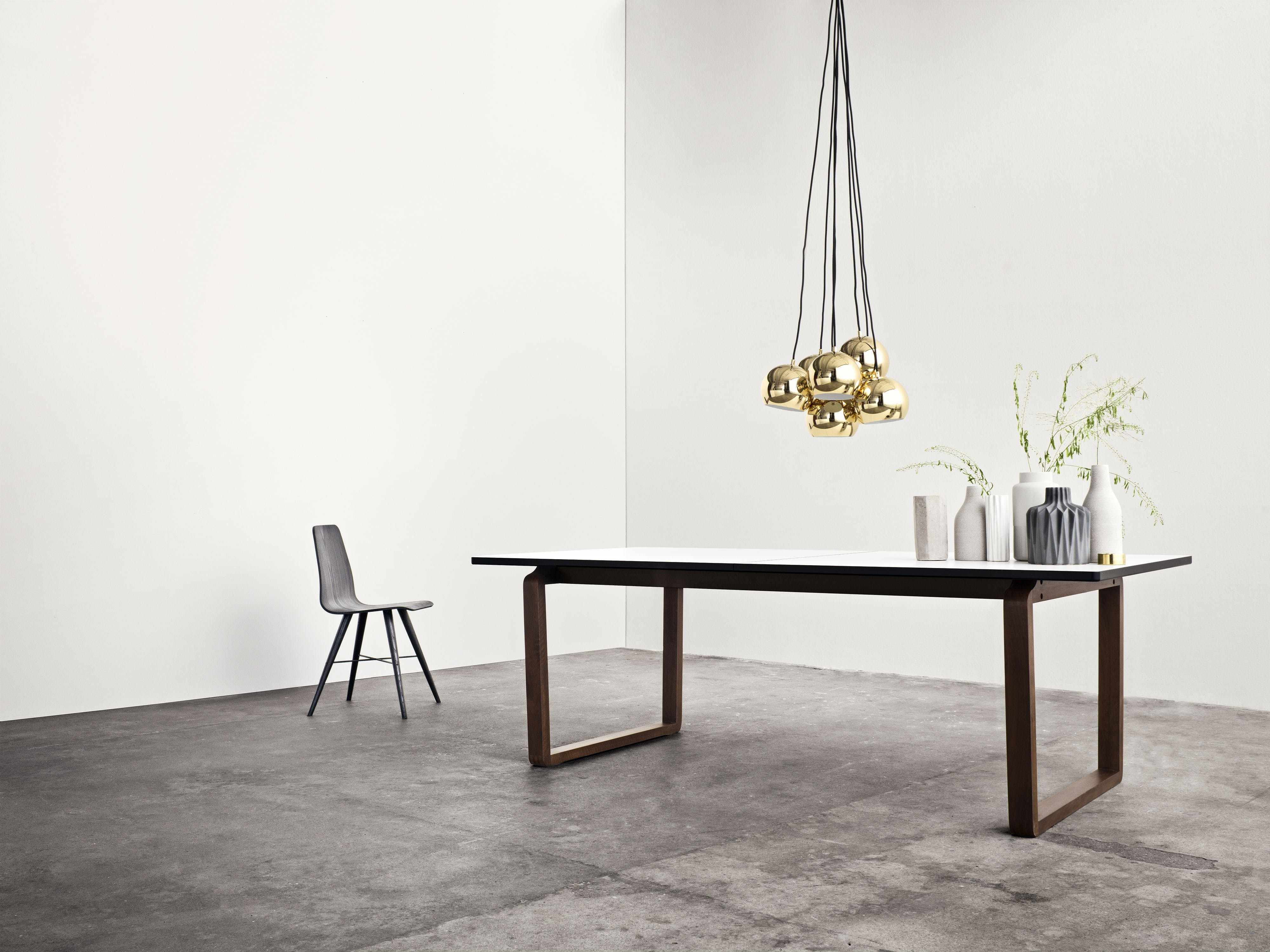 DT20 Dining Table