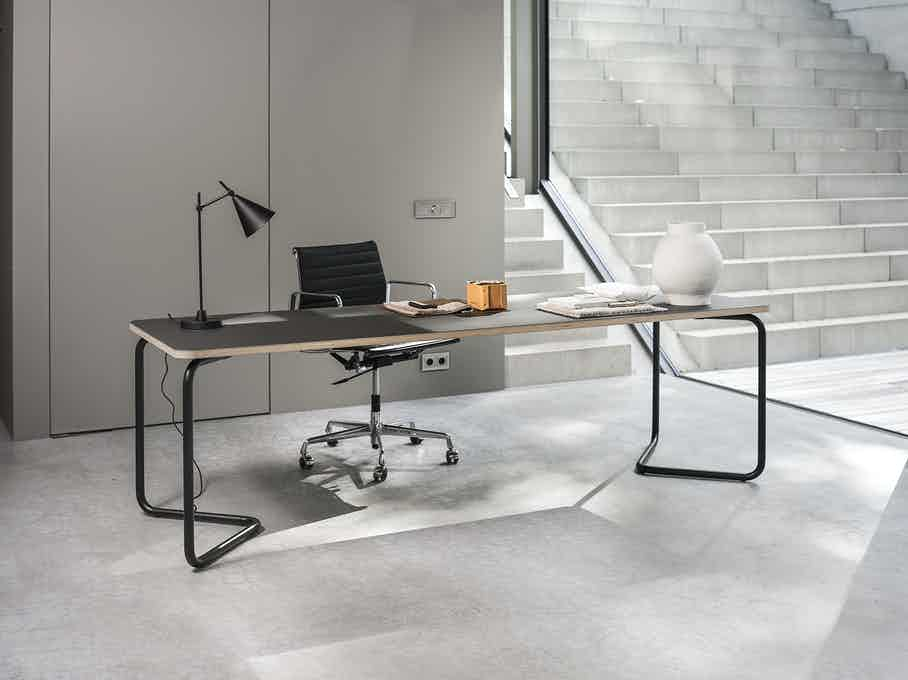 Functionals Black Charcoal Insitu Kumpel Table Haute Living