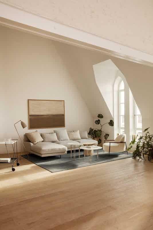 Gubi flaneur sofa insitu haute living