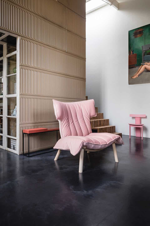 Linteloo pink front ample armchair institu haute living