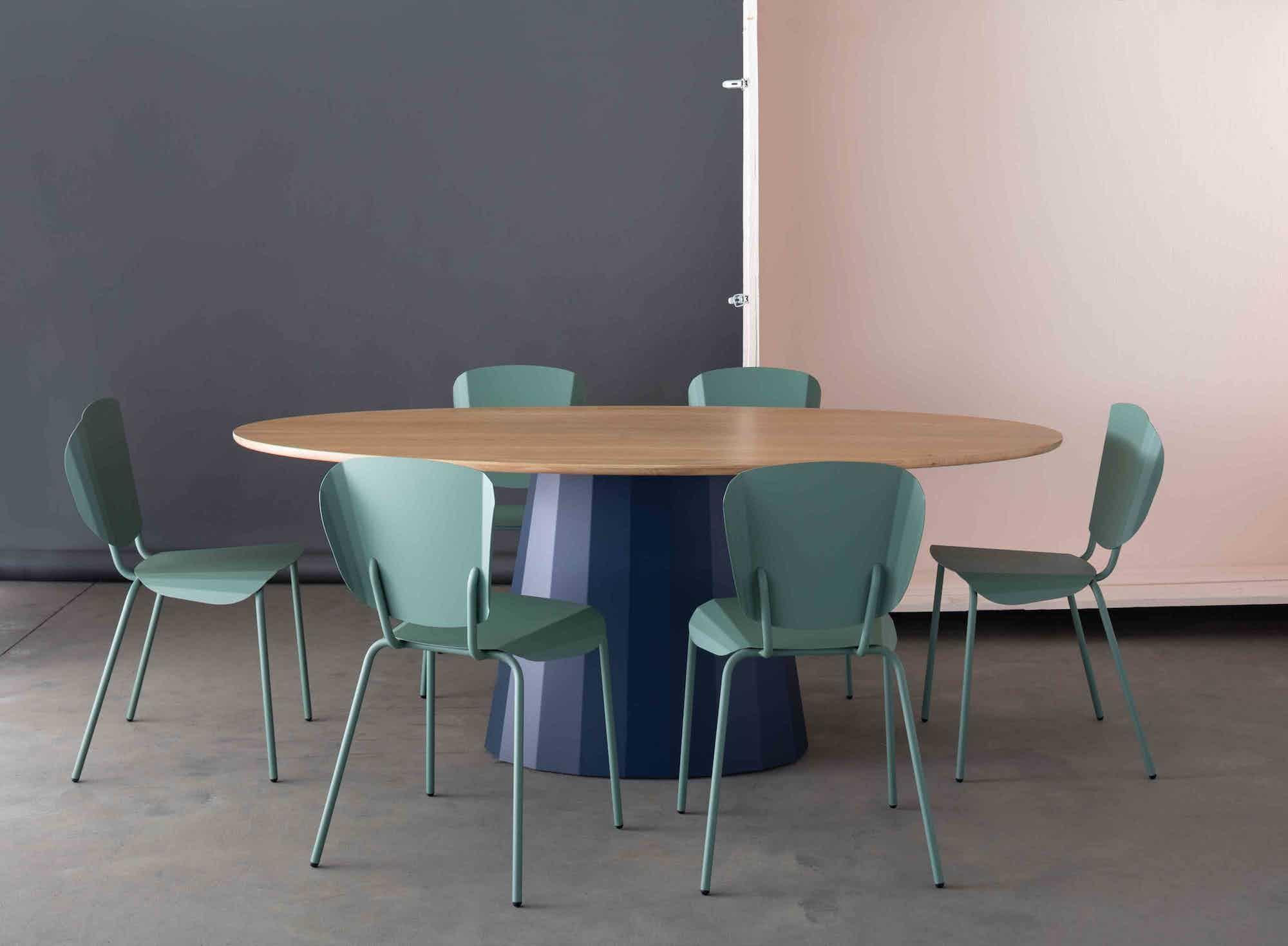 Matiere grise constance guisset ankara table repas ovale 100x200xh75 metal bois table salle a manger chaise design batchair