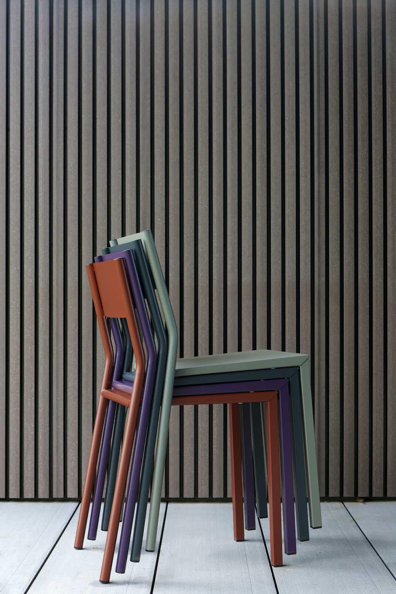 Matiere grise luc jozancy take chaise style ecolier repas bureau salle a manger chaises empilables