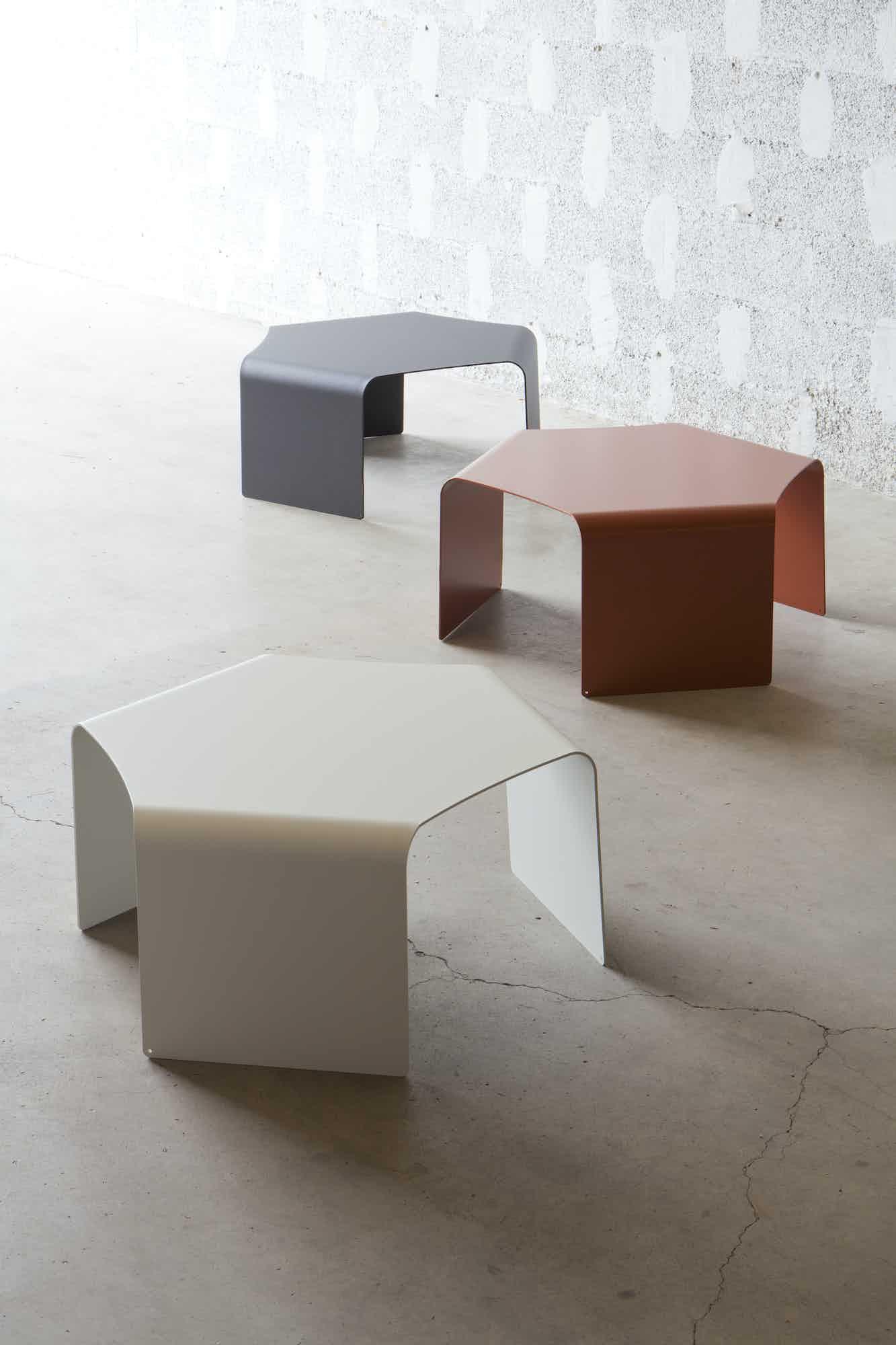 Matiere grise quaglio simonelli ponant table basse 76x68 metal brique blanc anthracite terracotta gris table appoint a cafe ambiance mobilier exterieur