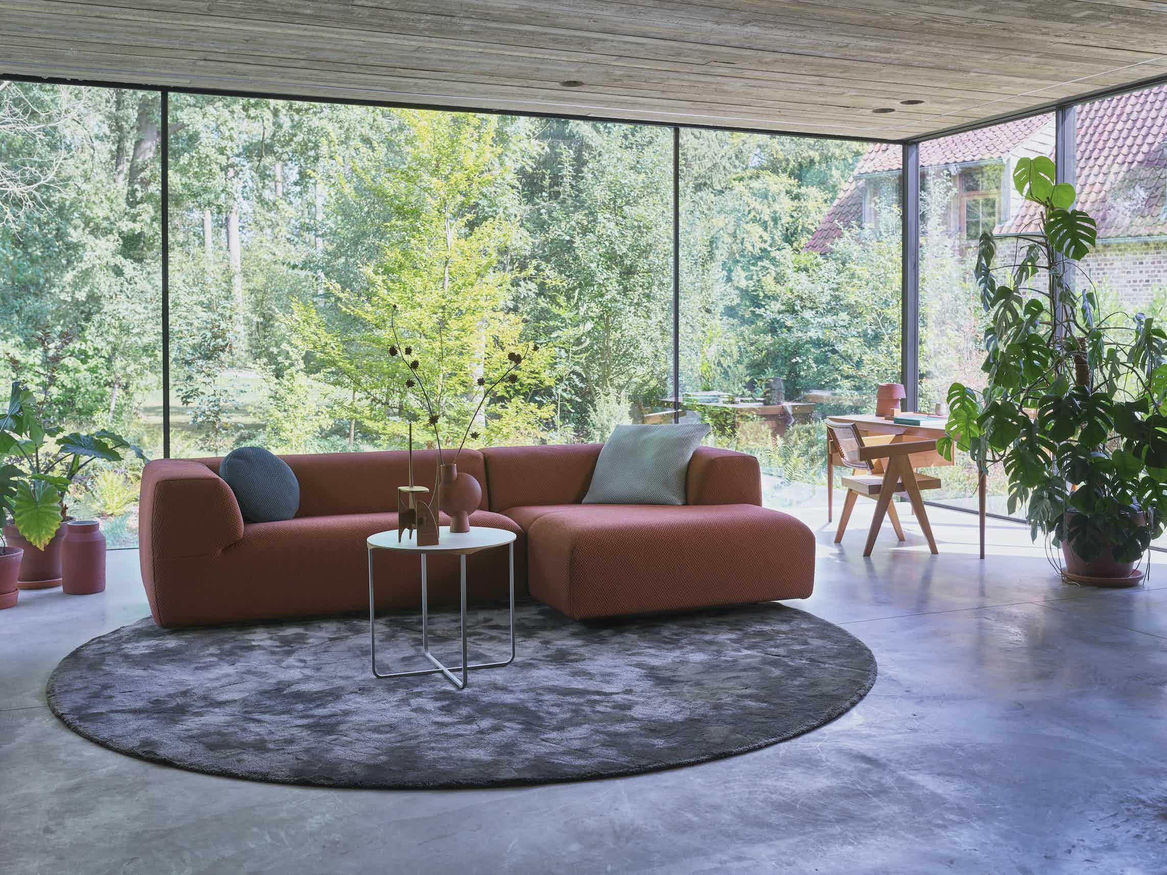 Montis aztec sofa red insitu haute living