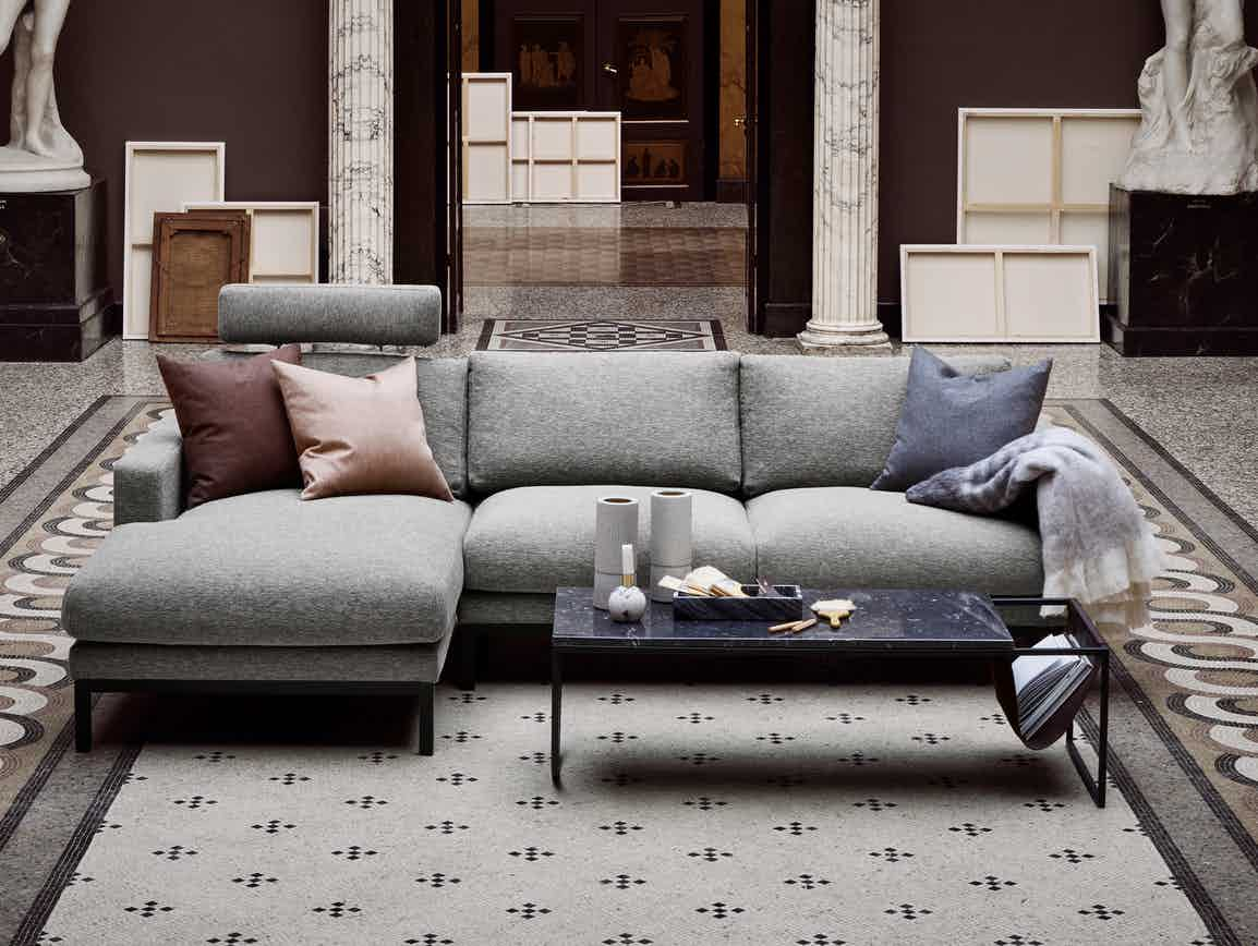 North Classic Piero Clearcut Earth Frill Marble Sofa
