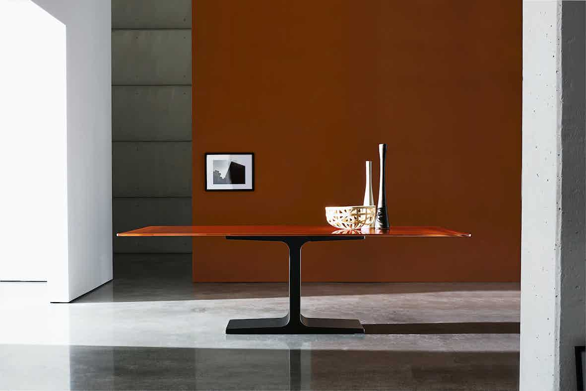 Sovet-palace-orange-dining-table-haute-living