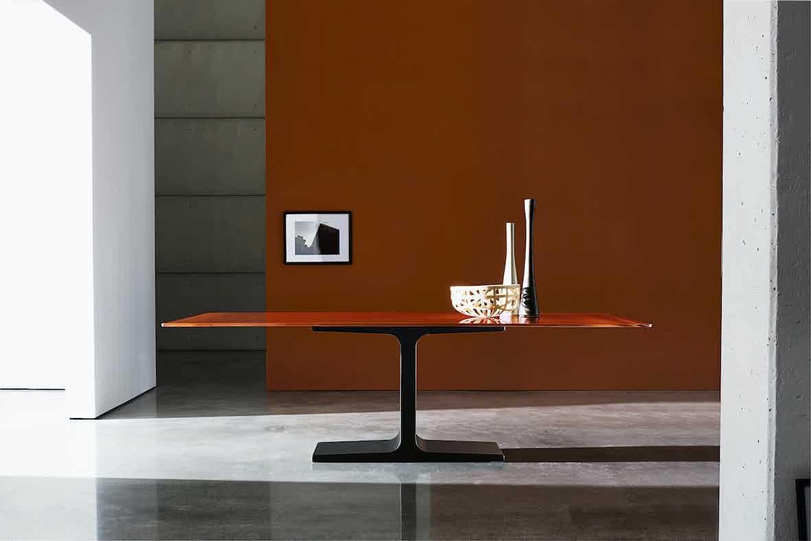 Sovet-palace-orange-dining-table-haute-living