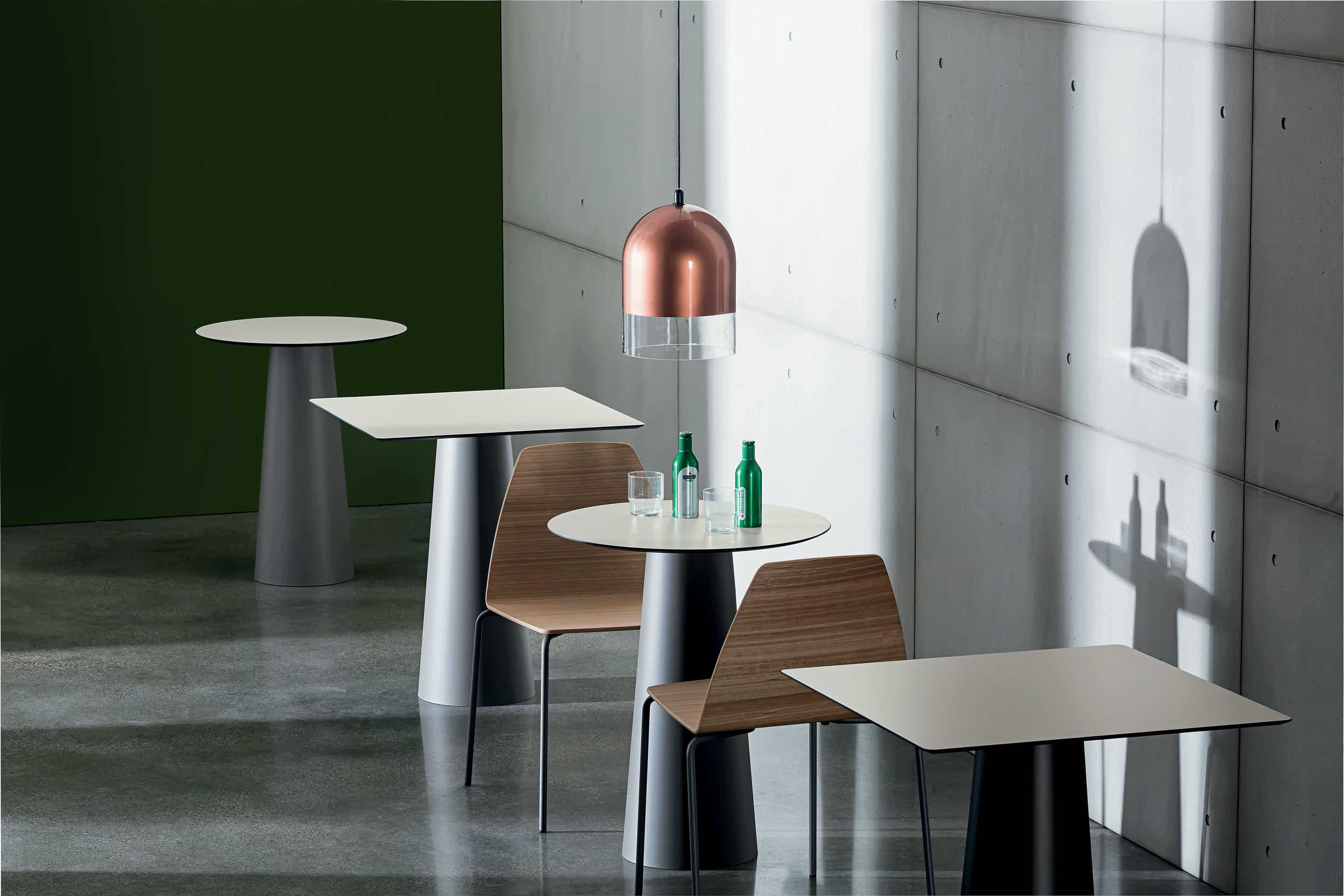 Sovet-totem-bar-table-haute-living