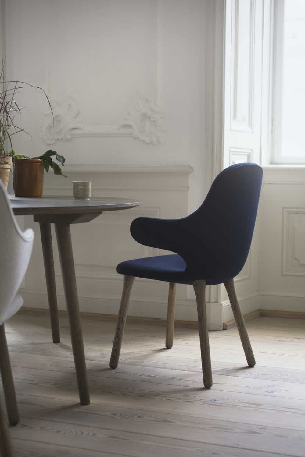 Tradition catch chair jh1 insitu blue back haute living