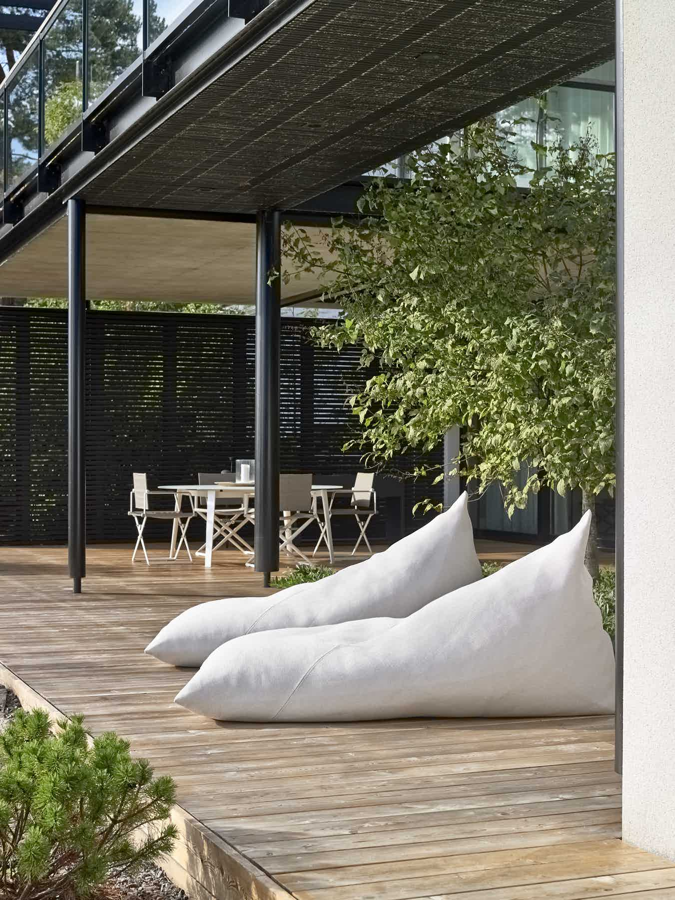 Woodnotes outdoor roo lounge institu haute living