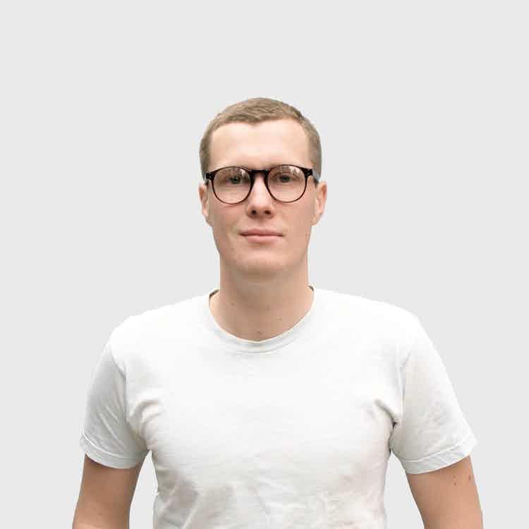 Lukas Peet Andlight Portrait