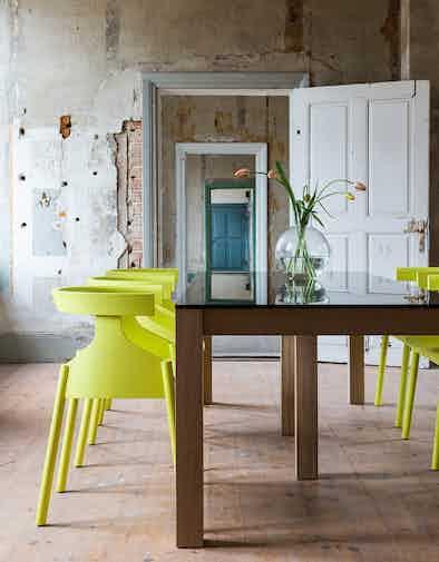 Articles-furniture-winwin-table-side-insitu-haute-living