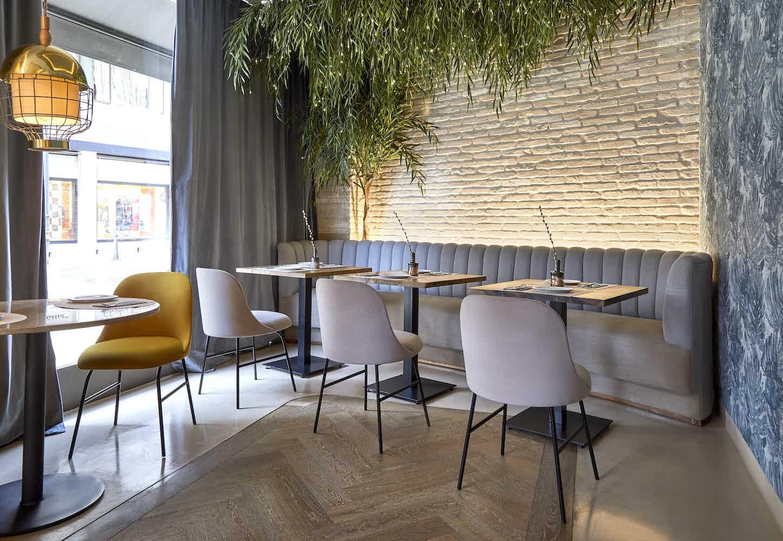 Viccarbe-cafe-aleta-chair-institu-haute-living