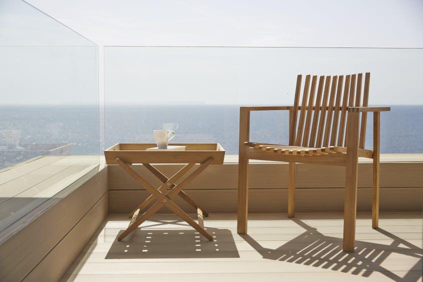 Amaze Armchair Folding Table 1