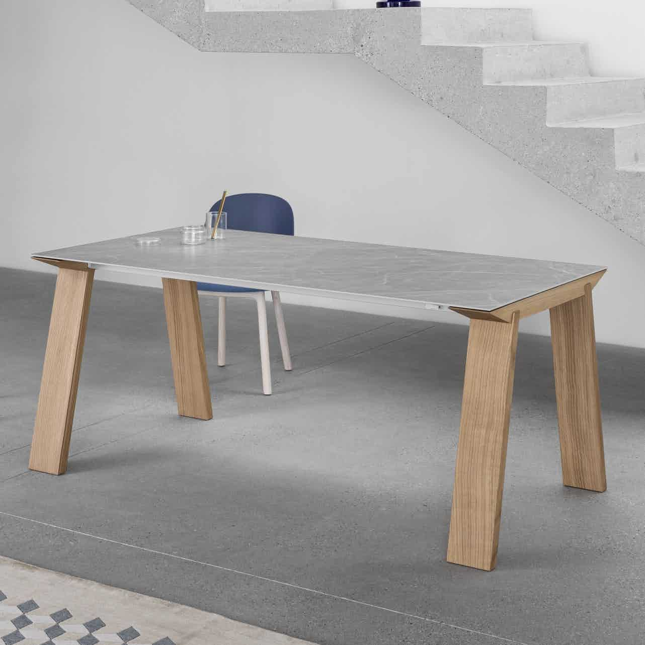 Miniforms artu table insitu haute living