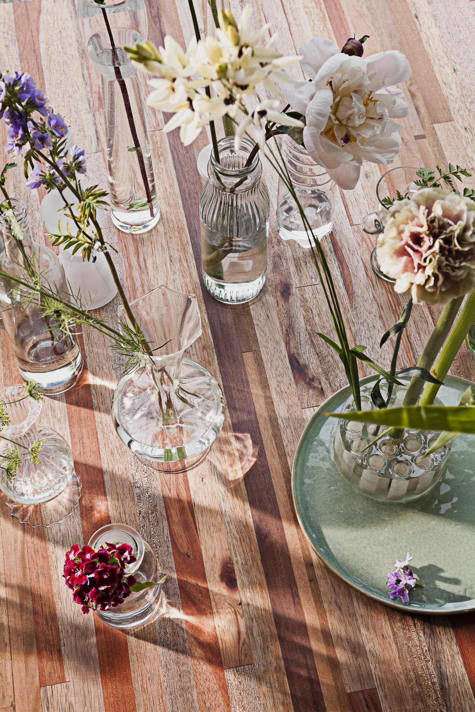 Linteloo-detail-aulia-coffee-table-institu-haute-living