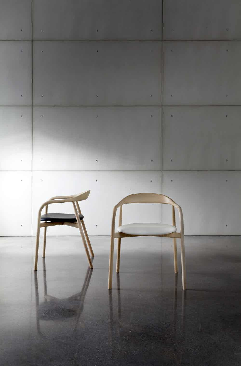 Sovet-autumn-chair-insitu-duo-haute-living