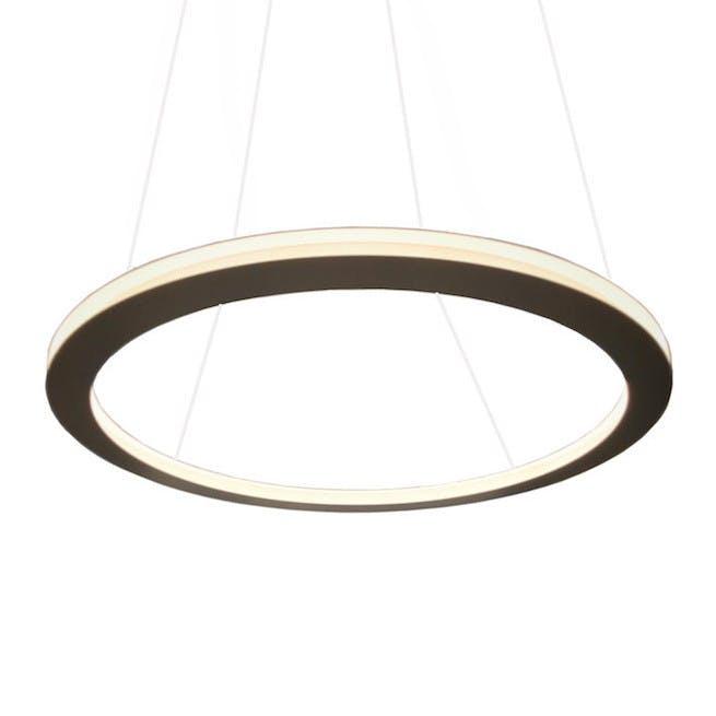 Le-deun-luminaires-ava-hanging-lamp-white-haute-living_190416_145500