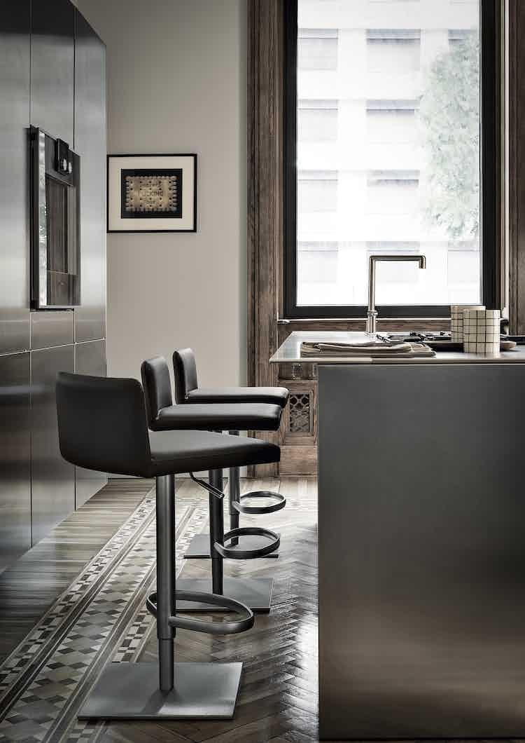 Frag-furniture-side-profile-bella-cp-institu-haute-living