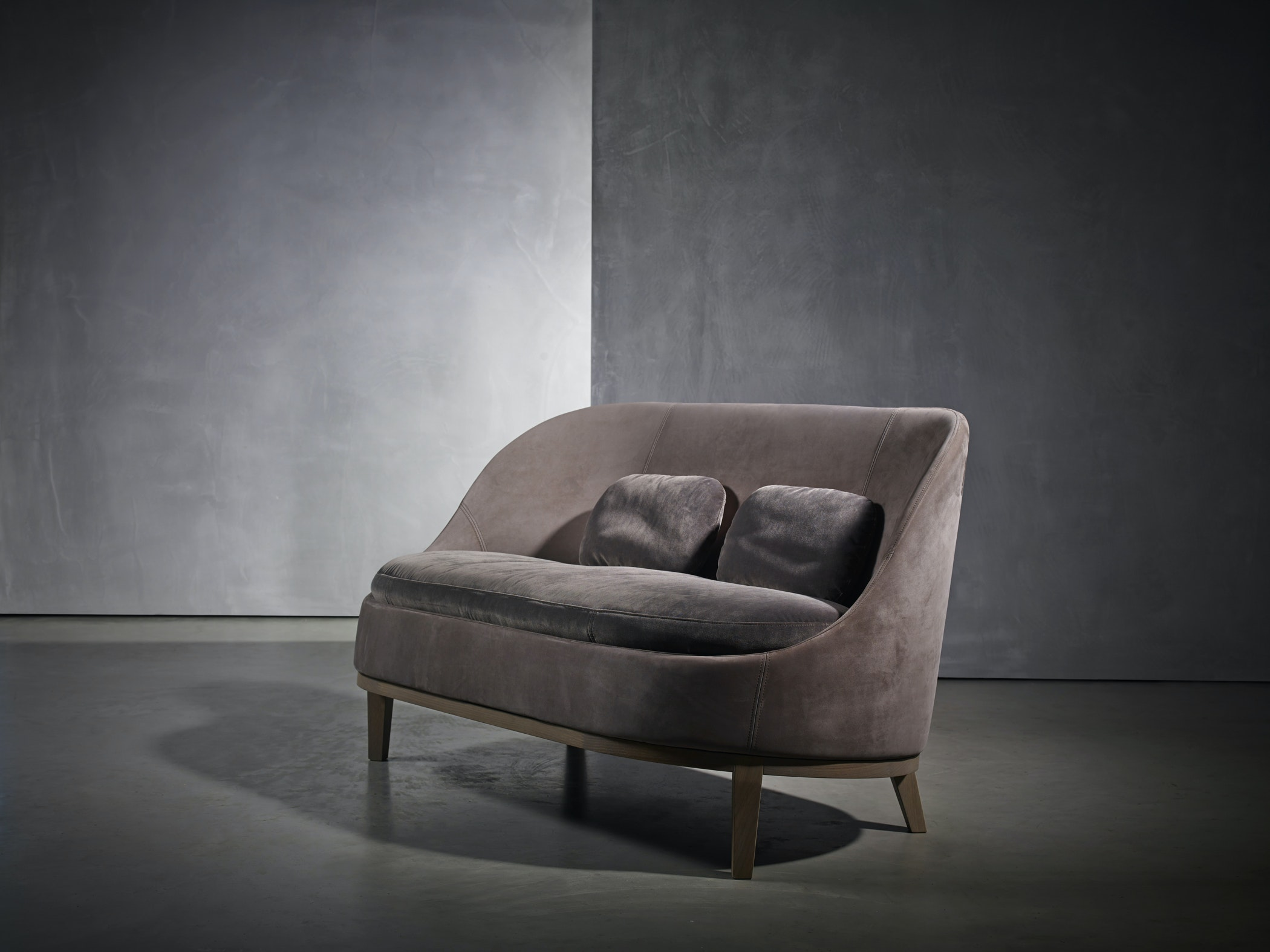 Pb Collection Belle Loveseat 001