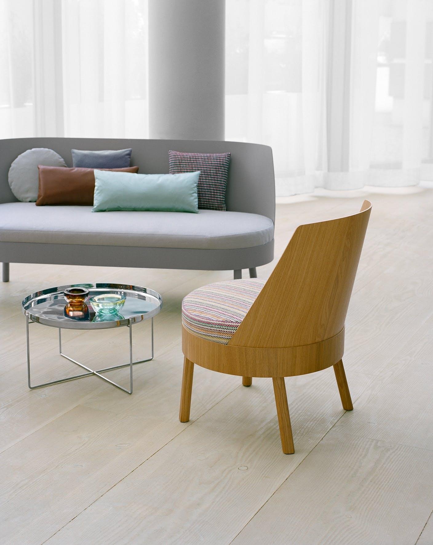 E15-furniture-back-bessy-lounge-chair-institu-haute-living
