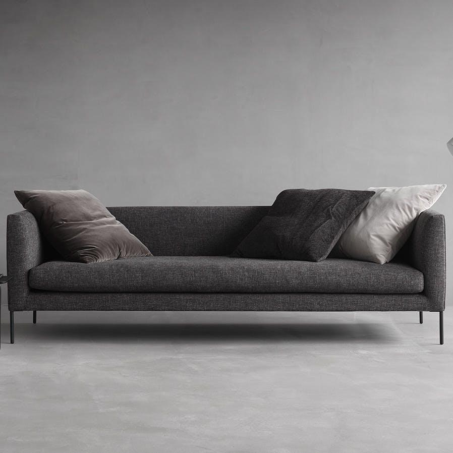 Wendelbo-front-blade-sofa-institu-haute-living