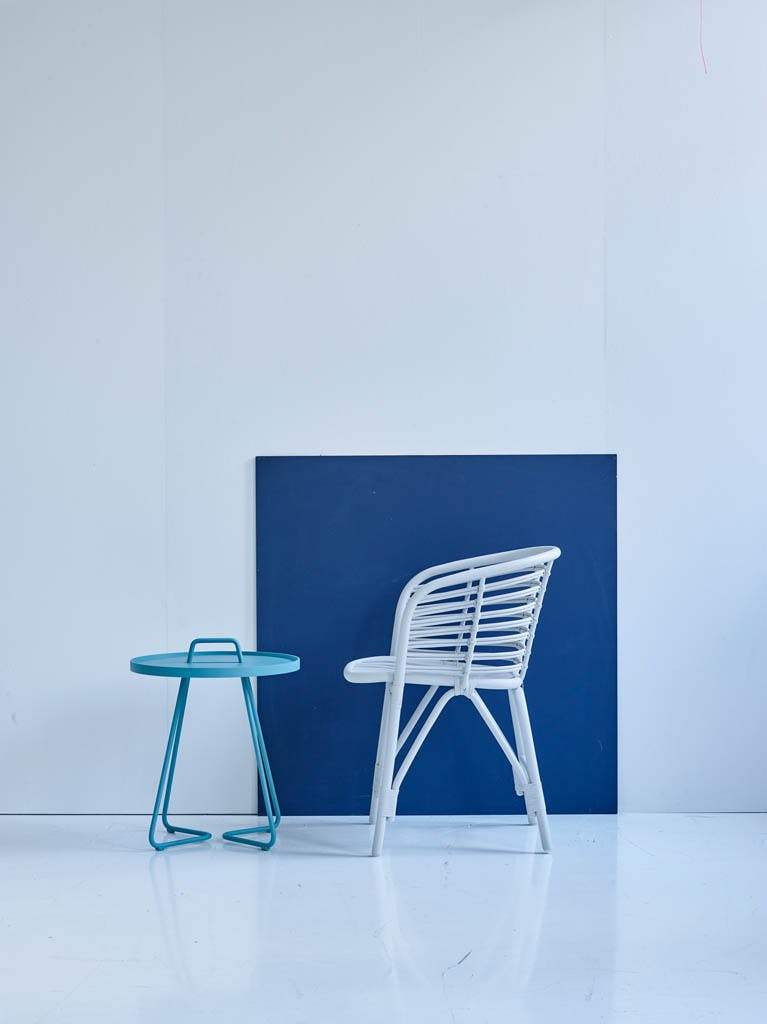 Blend Chair White On The Move Aqua
