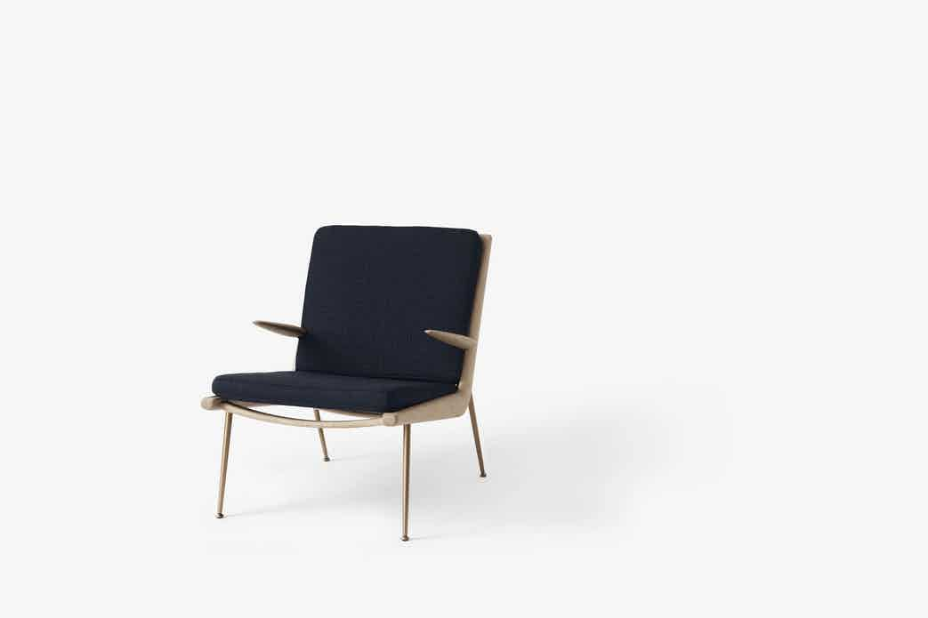 Andtradition boomerang lounge chair hm2 oak loop marine haute living