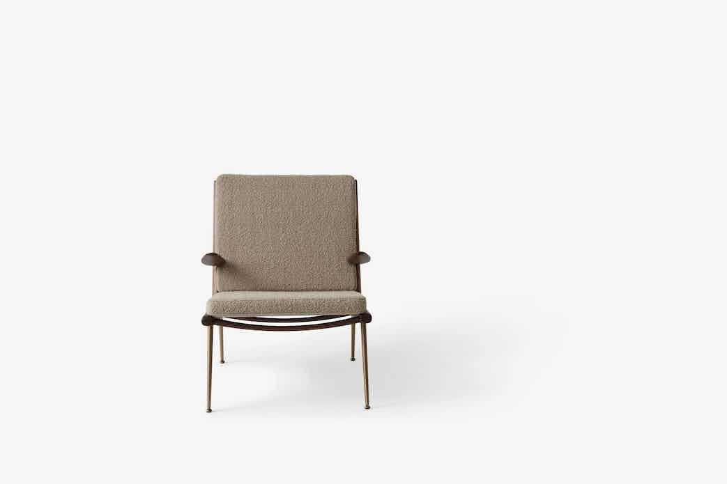 Andtradition boomerang lounge chair hm2 walnut karakorum front haute living