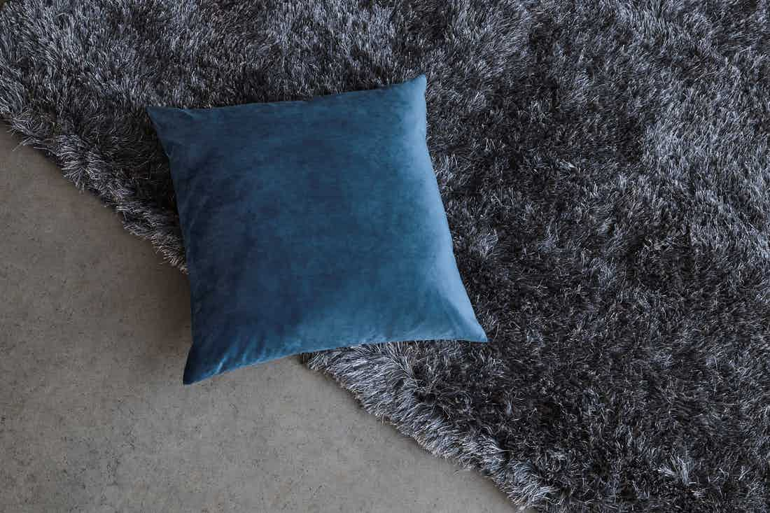 Bolia-grey-bossa-rug-detail-haute-living