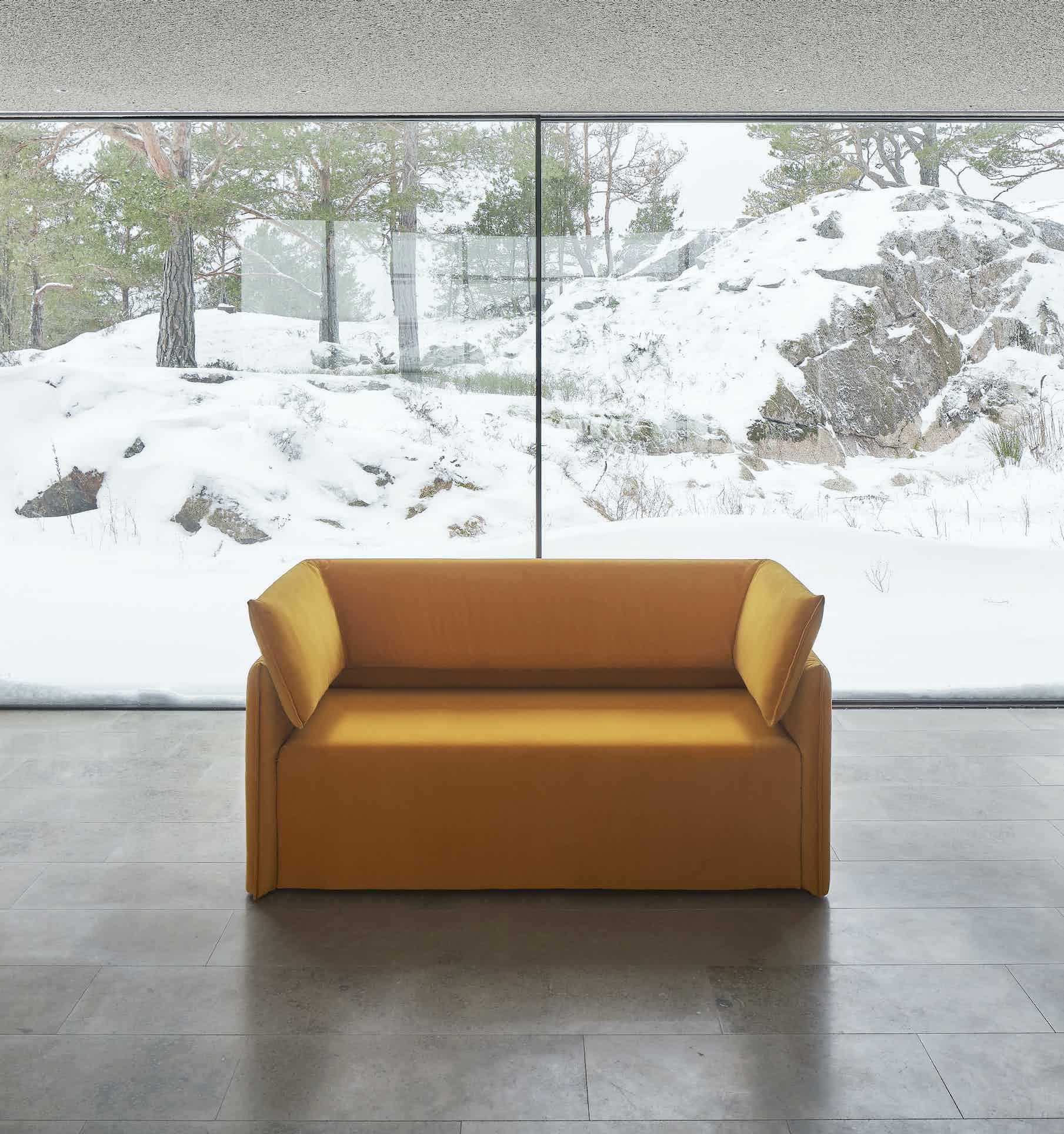 Articles-furniture-boxlike-sofa-insitu-haute-living