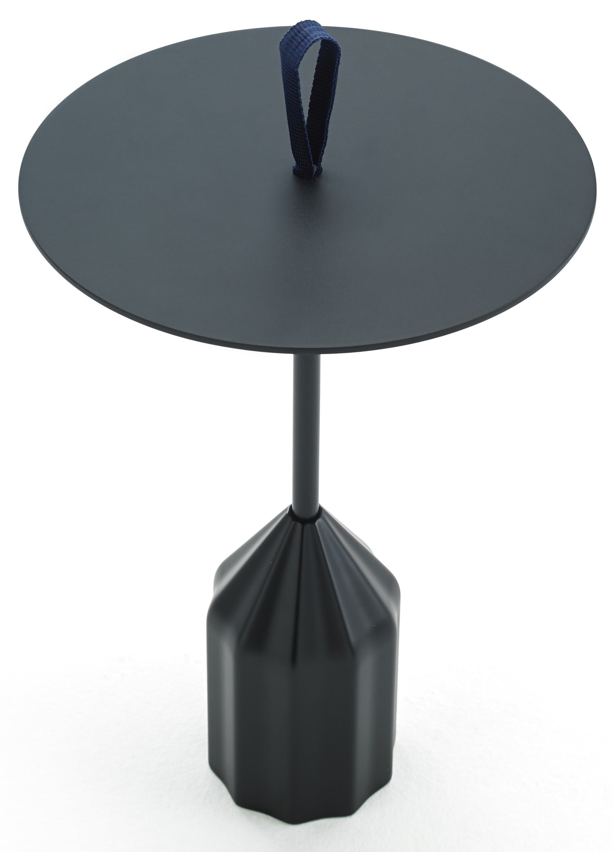 Viccarbe-black-burin-table-haute-living
