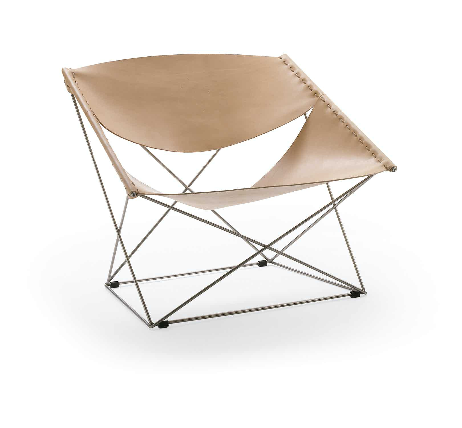 Artifort Beige Butterfly Chair Angle