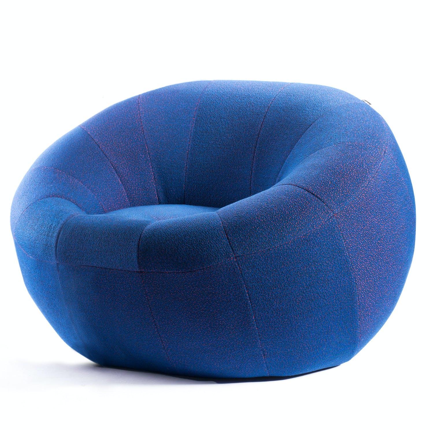 Capsule Chair 1
