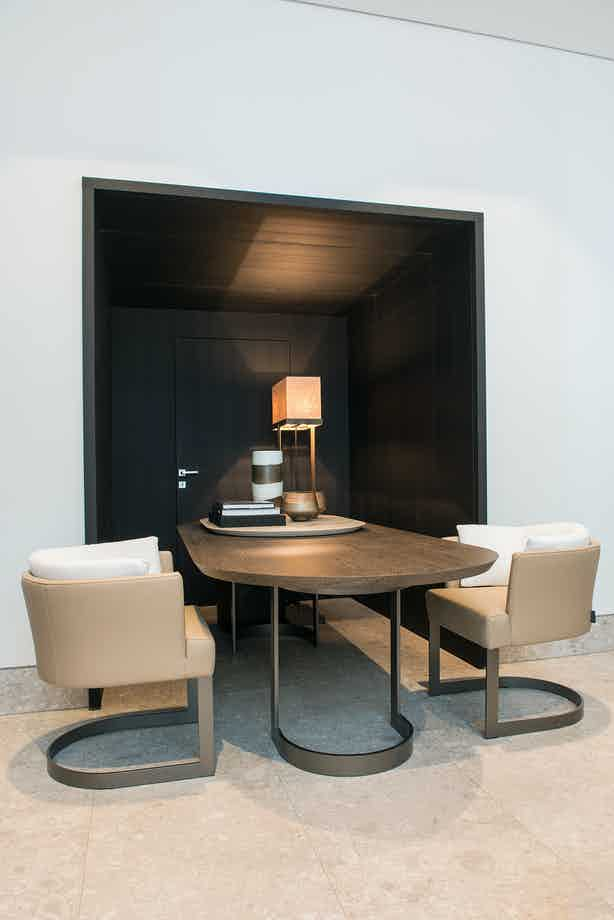Linteloo-cervino-dining-table-institu-haute-living