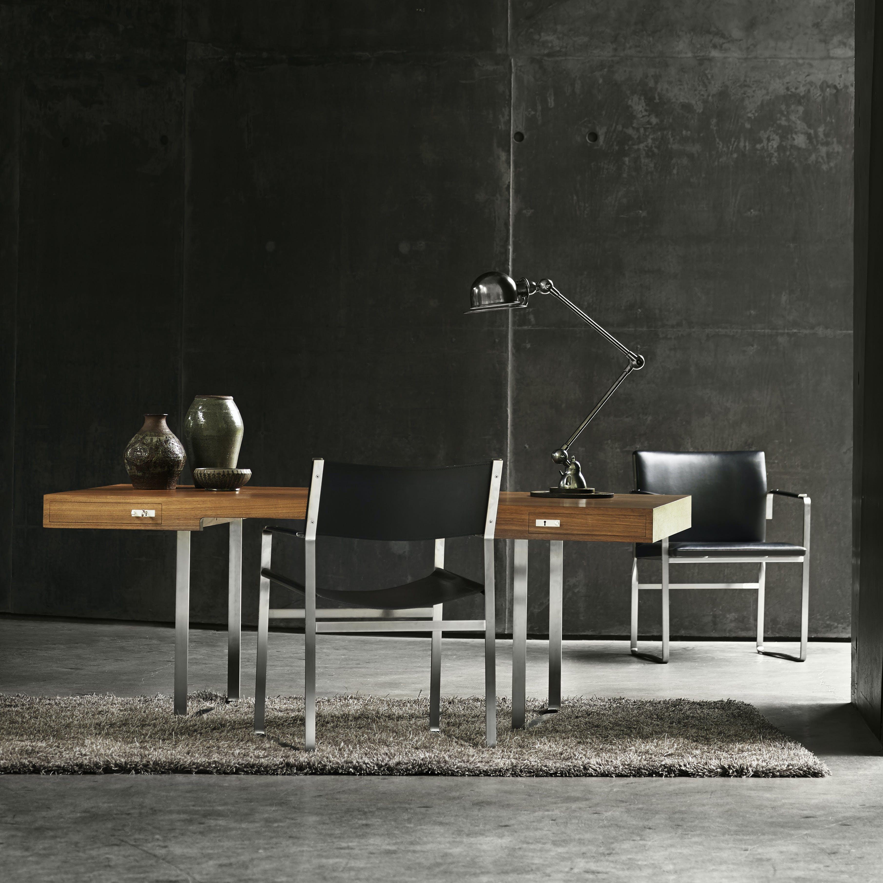 Carl-hansen-son-desk-ch111-institu-haute-living