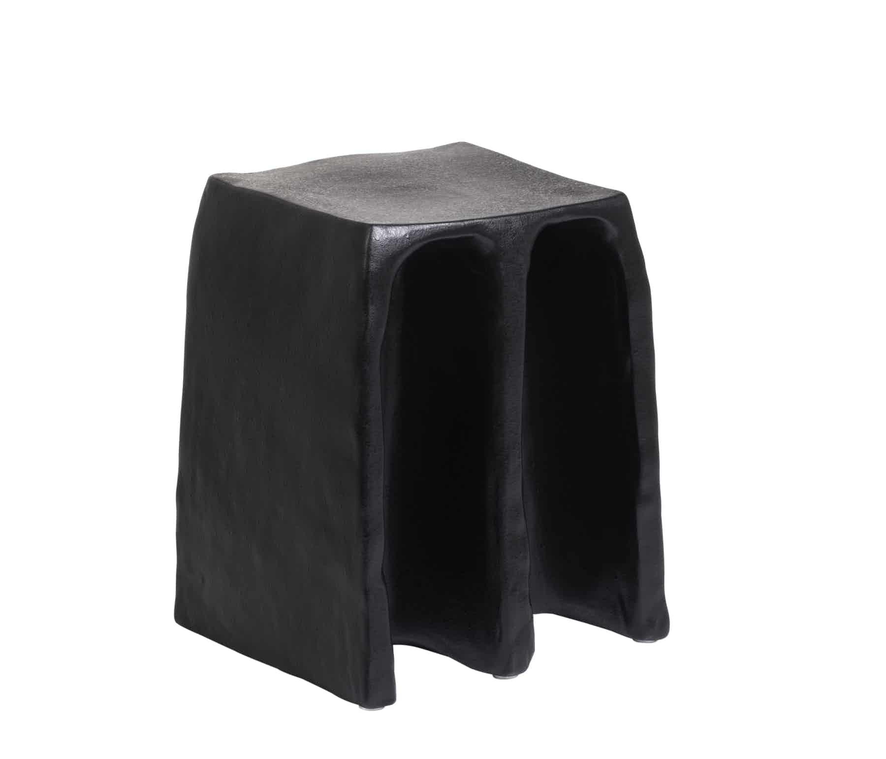 Pulpo-chouchou-stool-black-haute-living