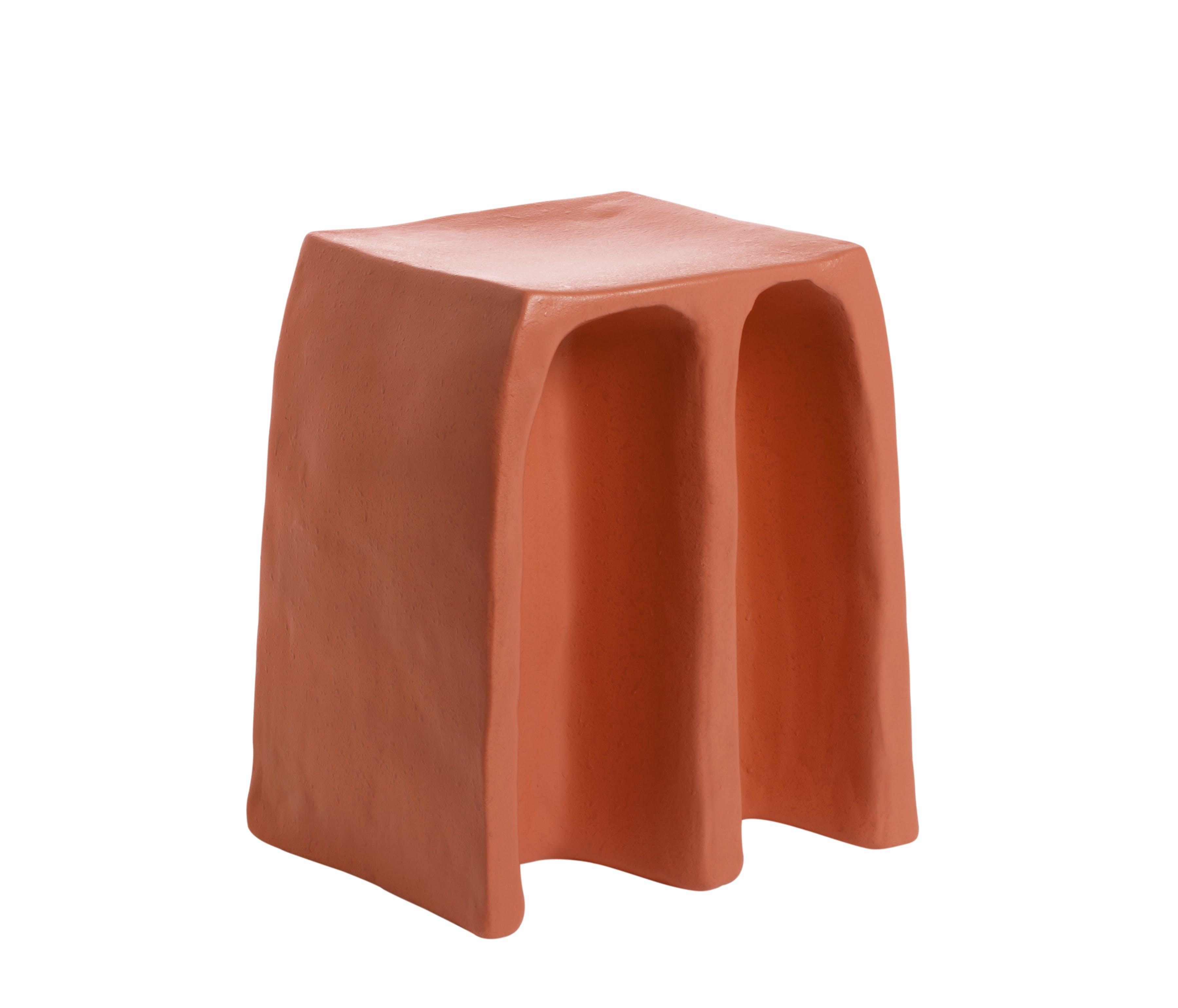 Pulpo-chouchou-stool-red-haute-living