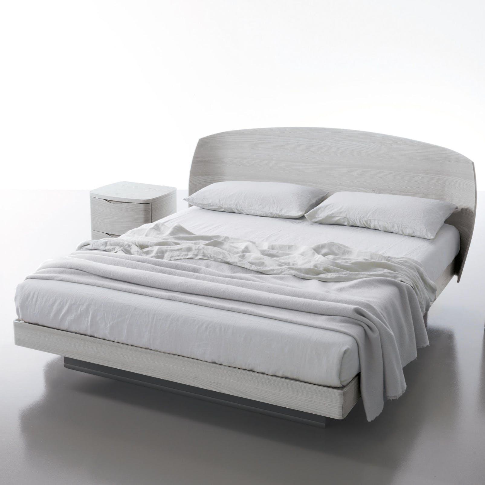Caccaro Coccolo Bed Angle Haute Living